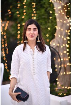 Image may contain: one or more people and people standing Pakistani Fashion Casual, Pakistani Dress Design, Pakistani Dresses, Indian Dresses, Pakistani Suits, Indian Outfits, Stylish Dress Designs, Stylish Dresses, Fashion Dresses