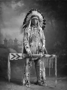 Native American Indian Pictures: Historic Photos of the Blackfoot/Blackfeet Indian Tribe Source by jaxaxyl Native American Pictures, Native American Beauty, Indian Pictures, Native American Tribes, American Indian Art, Native American History, American Indians, Pictures Images, Blackfoot Indian
