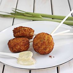 Crab Cake Lollipops with Easy Lemongrass Aioli -| The Hopeless Housewife®