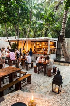 Creative Patio / Outdoor Bar Ideas You Must Try at Your Backyard Cafe Restaurant, Restaurant En Plein Air, Outdoor Restaurant Design, Coffee Shop Bar, Coffee Shop Design, Kiosk Design, Cafe Design, Patio Design, Outdoor Cafe