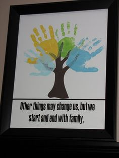 How cute!  I want to do it with the mom and dads hands in the middle!  Love it!