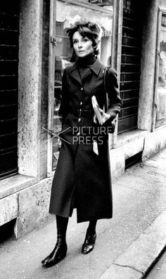 Audrey Hepburn Dotti photographed by Elio Sorci in Rome (Italy), during her shopping for Christmas, on December 22, 1970.
