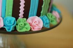 Patty Cakes Bakery: Fondant Ribbon Roses and Nutella