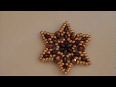 Video: Stella d'autunno con Twin Beads / Autumn Star.  Not English.  Pictures are enough.  #Seed #Bead #Tutorials