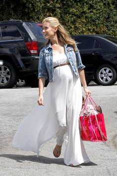 Kristin looks adorable in this maxi dress. #maternity