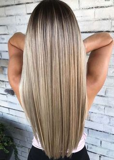 Best Balayage Ombre Hair Colors for Long Hairstyles in 2018 Wanna make your long hair looks more attractive and cool than ever? No need to search any more technique, you just have to check out our best ombre hair color shades for long hair to show off rig Hair Color Ideas For Brunettes Balayage, Hair Color Balayage, Blonde Hair On Brunettes, Balayage Ombre, Balayage Straight Hair, Honey Balayage, Brown Balayage, Hair Color Shades, Cool Hair Color