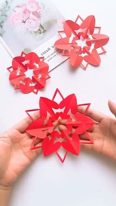 16 Creative and Easy Paper Cutting Flower Patterns - Origami Paper Flowers Craft, Paper Crafts Origami, Flower Crafts, Flower Paper, Diy Projects For Kids, Paper Crafts For Kids, Diy For Kids, Paper Cutting, Origami Fashion
