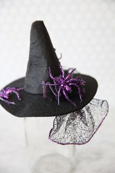 DIY Witch Fascinator Hats on http://pizzazzerie.com