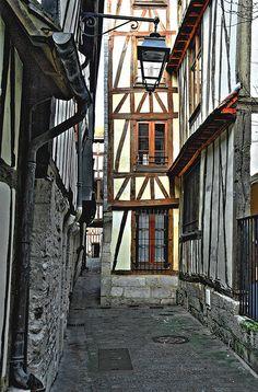 rue des chanoines Rouen la plus étroite rue de Rouen