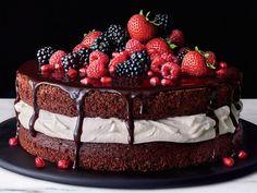 The Ultimate Decadent Chocolate-and-Cream Layer Cake Recipe - Cooking Light Chocolate Fruit Cake, Decadent Chocolate Cake, Chocolate Recipes, Chocolate Cake With Strawberries, Chocolate Buttercream Cake, Ultimate Chocolate Cake, Decadent Food, Molten Chocolate, German Chocolate
