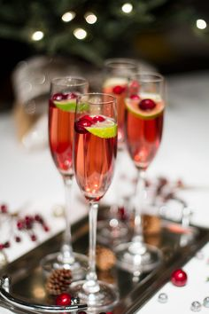 Cranberry Champagne Cocktail Recipe