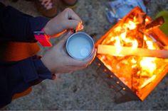暖かなミルクとラムに、マシュマロを入れて完成。あったまるし、美味しすぎ! Fashion Flight: 冬の日帰りキャンプ@富士山麓。Winter Day Camp at Mt.Fuji