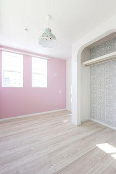 #子ども部屋 #アクセントクロス #LIXIL #ピンク #アーチ壁