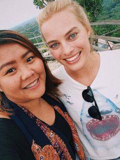 Margots fan.   (Margot's eyes are so beautiful)