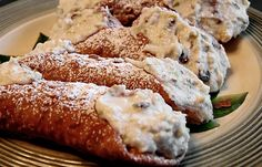 The best cannolis in the US are found in New York City, its ethnic boroughs, and nearby north Jersey - Sopranos territory. Here, the filling is never just ricotta and powdered sugar with flavoring and chocolate chips. The local recipes vary, but richer cheeses, cinnamon, citron, and nutmeg oil are usually added. Palermos of Little Italy offers one of the best.