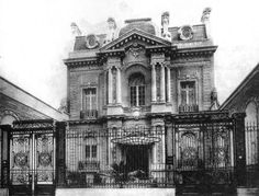 Palacio Leloir Unzue 1903 Buenos Aires..BUT! maybe our friends ( The vampires are living here!)