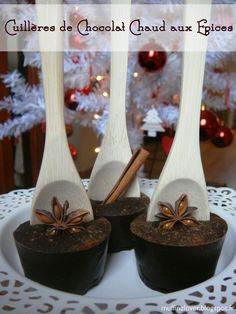 Recette Facile Cuillères de Chocolat chaud aux épices - muffinzlover.blogspot.fr Candy Recipes, My Recipes, Sweet Recipes, Chocolate Spoons, Hot Chocolate, Christmas Gifts To Make, Raisin Cookies, Edible Gifts, Food Gifts