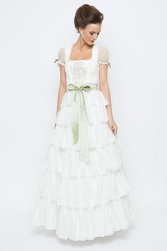 5cbd624ef8e114 Bridal Dirndl high-quality and beautiful in pastel shades of Sportalm  Kitzbühel bei Ludwig & Therese shop online ♥ fast shipping ♥ large selection