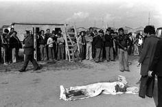 1975 - Il corpo dello scrittore Pierpaolo Pasolini all'idroscalo di Ostia (Ansa)