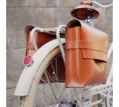 Bike Saddle Bags, Bicycle Bag, Leather Diy Crafts, Leather Bags Handmade, Leather Bag Design, Bike Leathers, Leather Bicycle, Bicycle Accessories, Small Leather Goods
