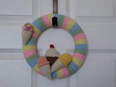 Pastel Wreath, Ice Cream Wreath, Cupcake Wreath, Cute Crochet Summer Wreath, Crochet Pastel Colored Wreath with Ice Cream Cones and Cupcake