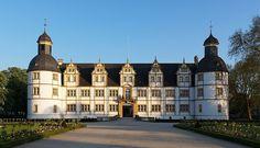 Datei:Paderborn SchlossNeuhaus.jpg