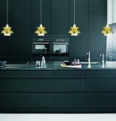 Louis Poulsen lamp black kitchen