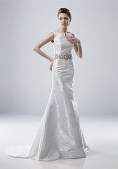 Gorgeous & simple #wedding #gown #bride