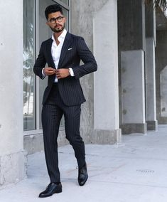 visit our website for the latest men's fashion trends products and tips . Formal Casual, Formal Men Outfit, Men Formal, Men Casual, Blazer Outfits Men, Outfits Hombre, Stylish Mens Outfits, Mens Fashion Suits, Mens Suits