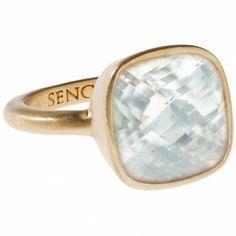 """Der Ring """"Crystal"""" von Sence Copenhagen begeistert mit seinem eleganten-funkenden Charme. In der Fassung aus vergoldetem Schmuckmessing ist ein facettiert geschliffener Kristallglassstein eingearbeitet."""