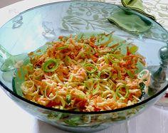 Apfel - Karotten - Lauch - Salat, ein sehr leckeres Rezept aus der Kategorie Früchte. Bewertungen: 5. Durchschnitt: Ø 3,4.