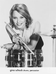 Gina Schock (born: August Baltimore, MD, USA) is an American drummer and musician. She is best known as the drummer in the all-woman rock band The Go-Go's. Music Den, Soul Music, Rogers Drums, Drums Girl, Female Drummer, Netflix, Belinda Carlisle, Mode Rock, Summer Rain