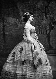 Plate A crinoline dress of Spanish colour scheme embroidered with posies. The kind of dress Maryanne might have worn. Victorian Women, Victorian Fashion, Vintage Fashion, Victorian Era, Victorian Photos, Civil War Fashion, 1800s Fashion, Historical Costume, Historical Clothing