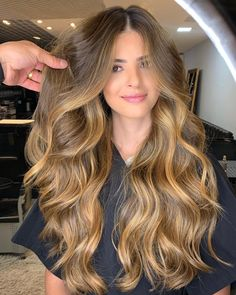 Blonde Wigs Lace Front Hair Affordable 613 Wig – Shebelt mall O cabelo acobreado Honey Blonde Hair, Blonde Wig, Blonde Hair For Brunettes, Brunette Hair, Frontal Hairstyles, Wig Hairstyles, Balayage Hair, Ombre Hair, Balyage Long Hair
