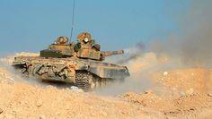 shooting near Palmyra, Syria. T 72, Syrian Civil War, Military Armor, Battle Tank, Military Photos, Korean War, Modern Warfare, Ancient Rome, Zone File