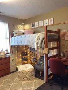 University of Nebraska Knoll Freshman Dorm Room