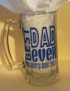 Father's Day I love these big mugs Fathers Day Mugs, Fathers Day Crafts, Vinyl Gifts, Dad Mug, Personalized Cups, Mugs For Men, Beer Mugs, Vinyl Projects, Glass Design