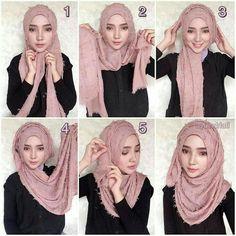 Tutorial Hijab Pesta This one looks very cute 💕👍🏻 Square Hijab Tutorial, Simple Hijab Tutorial, Hijab Style Tutorial, Turban Hijab, Mode Turban, Stylish Hijab, Hijab Chic, Stylish Outfits, Modern Hijab Fashion