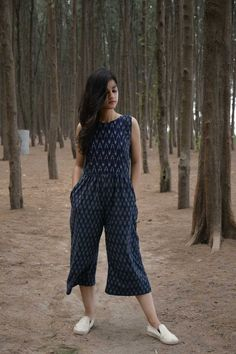 21 New Ideas sewing skirts women fabrics Simple Kurti Designs, Stylish Dress Designs, Designs For Dresses, Kurta Designs, Stylish Dresses, Blouse Designs, Frock Fashion, Indian Fashion Dresses, Dress Indian Style