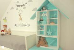 Aranżacje wnętrz - Pokój dziecka: Domek dla lalek - MyWoodVillage - mywoodvillage. Przeglądaj, dodawaj i zapisuj najlepsze zdjęcia, pomysły i inspiracje designerskie. W bazie mamy już prawie milion fotografii!