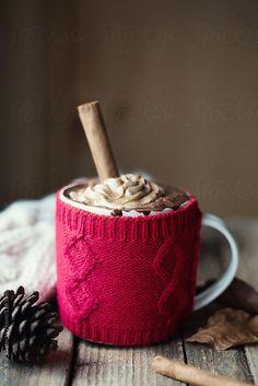 Christmas Hot Chocolate, Christmas Coffee, Christmas Mood, Hipster Christmas Gifts, Christmas Gift Wrapping, Chocolate Quotes, Chocolate Lovers, Mini Desserts, Coffee Is Life