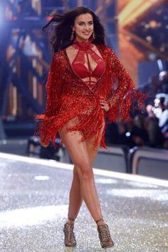 Revive el desfile de los ángeles de Victoria Secret del 2016. El desfile que será recordado por los rumores en torno a Irina Shayk.
