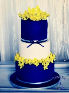 Navy And Yellow by sophia haniff - http://cakesdecor.com/cakes/259775-navy-and-yellow