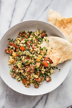 Garlicky Tofu Tabbouleh Salad | Easy Vegan Meal | WorldOfVegan.com #vegan #vegetarian #tabbouleh #healthy