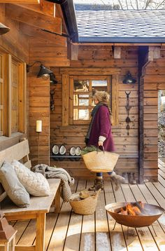 Dreamy rustic cabin in the middle of a Spanish forest Verträumte rustikale Hütte mitten in einem spa Rustic Home Interiors, Rustic Home Design, Cabin Homes, Log Homes, Porche Chalet, Wooden Cabins, Beautiful Interiors, Modern Rustic, Rustic Style