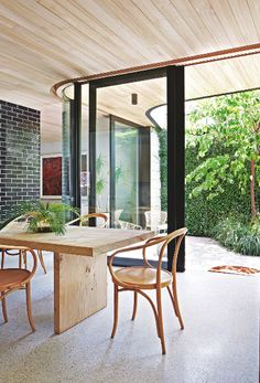 Dining room | Indoor outdoor | Wood | Curved glass | Modern | Livingetc