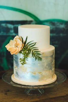 Amazing wedding cake Metallic Wedding Colors, Metallic Cake, Metallic Wedding Cakes, Industrial Wedding Inspiration, Wedding Cake Inspiration, Beautiful Wedding Cakes, Beautiful Cakes, Pretty Cakes, Naked Cakes
