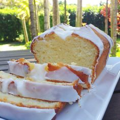 This sunny lemony cake will happily enchant you and your guests!