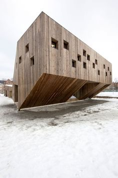 Image 6 of 25 from gallery of Fagerborg Kindergarden / Reiulf Ramstad Arkitekter. Photograph by Reiulf Ramstad Arkitekter Floating Architecture, Contemporary Architecture, Architecture Design, Small Buildings, Amazing Buildings, Learning Spaces, Urban Furniture, Park City, Cool Pictures
