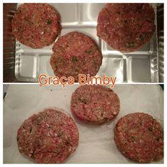 Hambúrgueres preparados para congelar.     Não compro carne picada, nem nada que seja pré- preparado, devido a quantidade de conservantes e...
